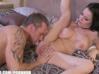 Squirting queen Veronica Avluv loves sweaty rough fucking