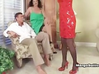 Sexy mature cougar Jessica Sexxxton bangs in heels and lingerie