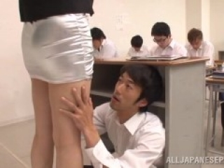 student lick her teacher in classroom