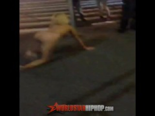 Popped A Molly She's Nekkid Lady Acting Up In The Streets Of NY.. 39th