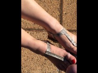Cum on sexy feet in sexy thong sandals