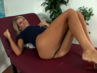 beautiful amanda tate solo and her sexy feet