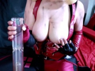 A Footjob from Harley Quinn