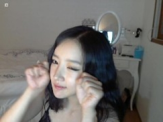 Korean girl stripping on cam